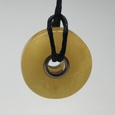 Geltono gintaro pakabukas